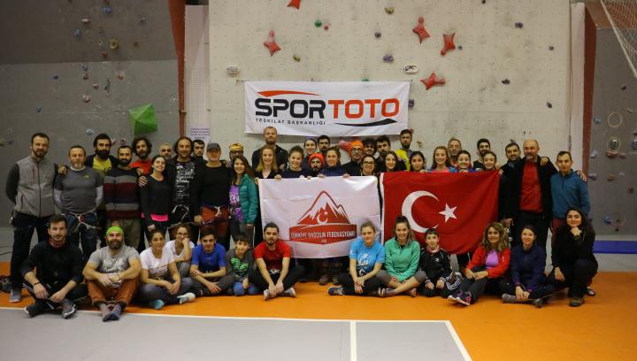 Spor Tırmanış Temel ve İleri Seviye Eğitimleri Nevşehir'de tamamlandı.