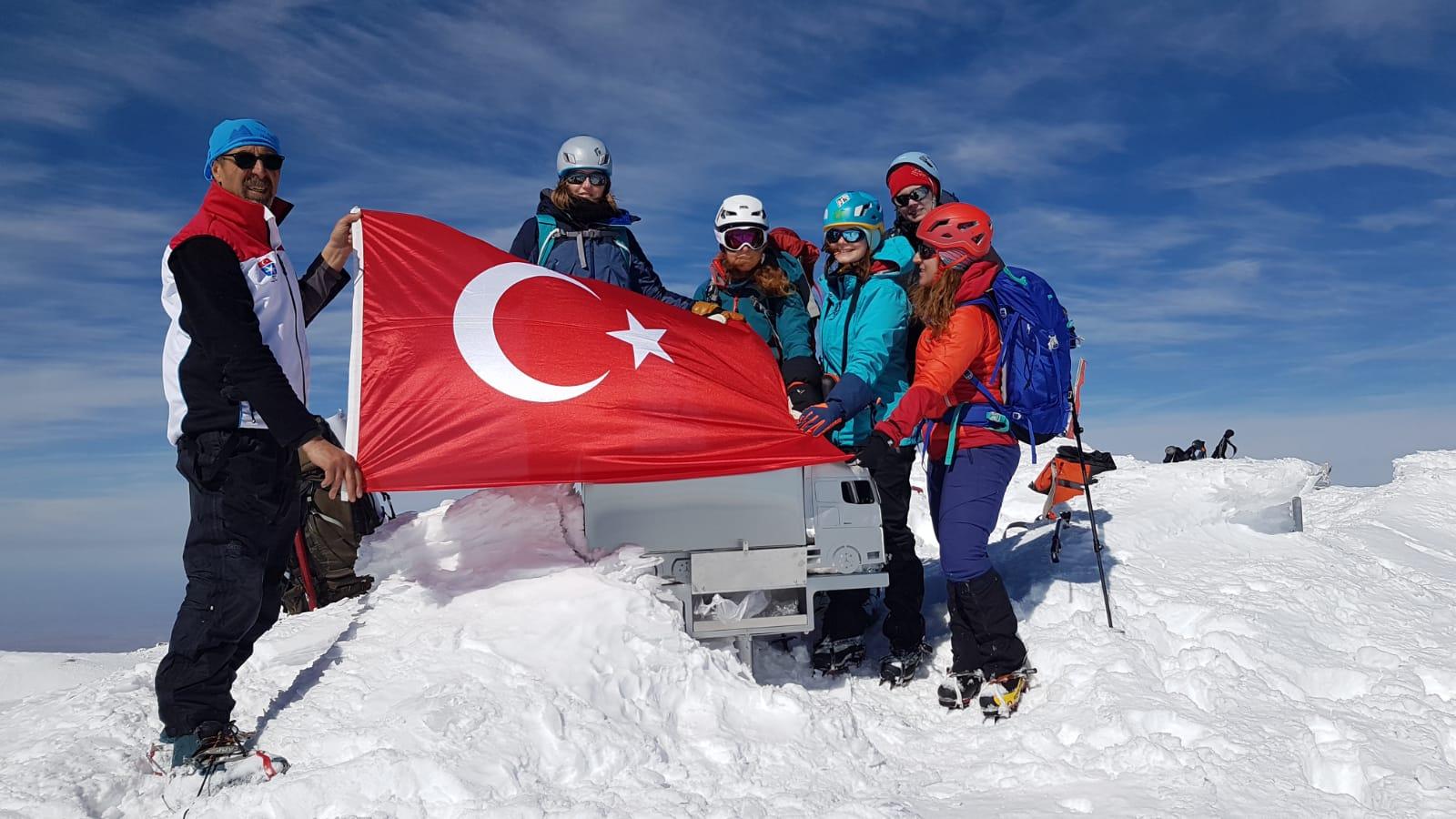 K2  Dağcılık Kulübü Hasan Dağı Faaliyeti