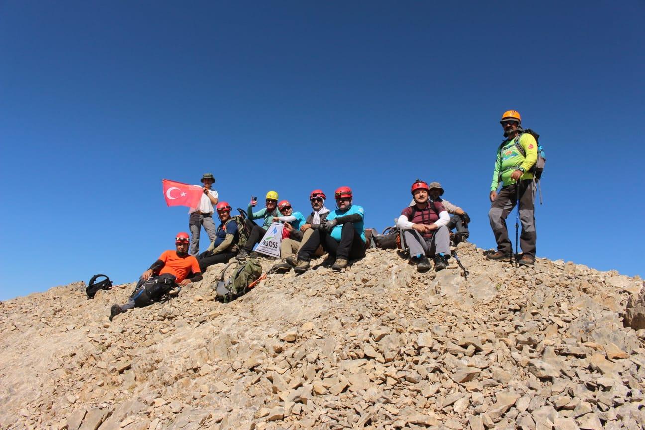 Keşif Dağı Tırmanışı