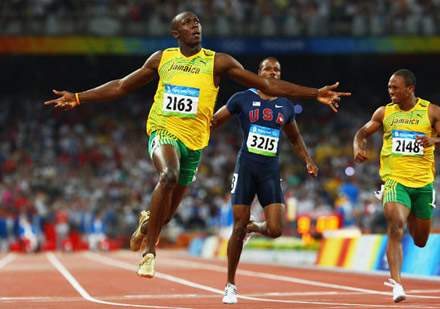 usain-bolt-200-meter-win-1