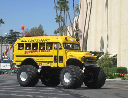 autocarros-escolares-dementes-1