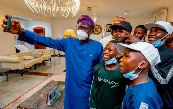 Lagos State Governor With The Ikorodu Bois - TDPel News