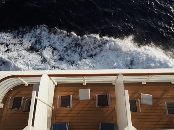 ディズニークルーズ 航行中の船外