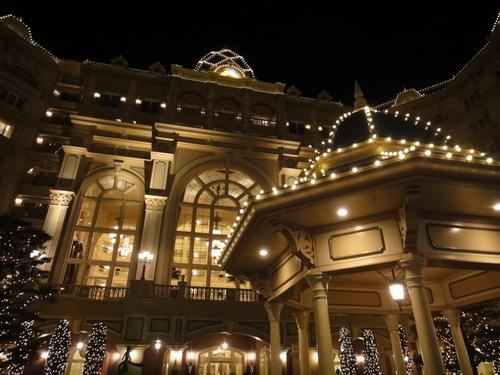 東京ディズニーランドホテル_クリスマスデコレーション_入り口前