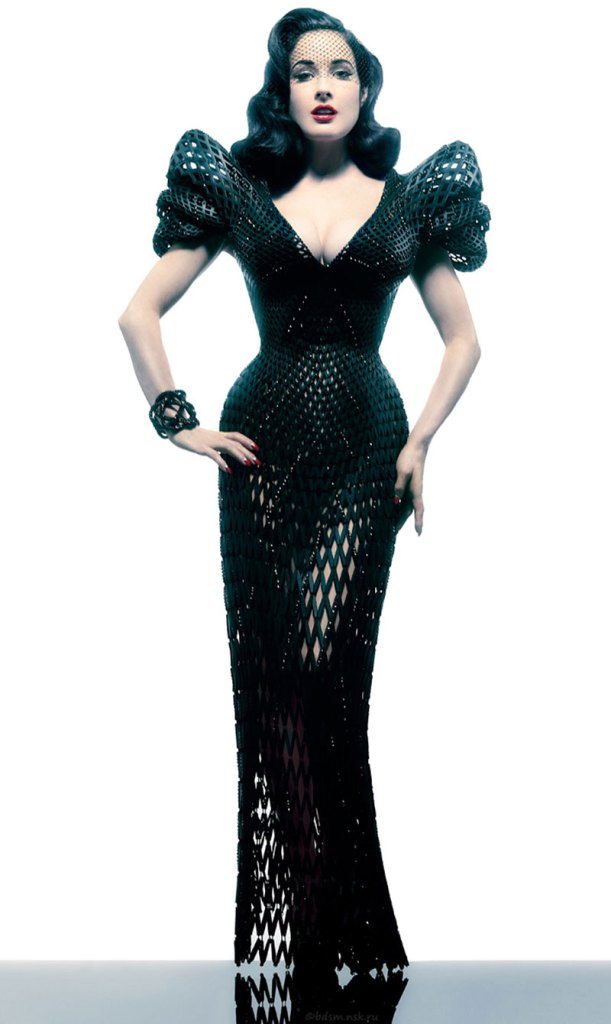Dita Von Teese in 3D print dress by Francis Bitoni and Michael Schmidt [Image: pursuitist.com]