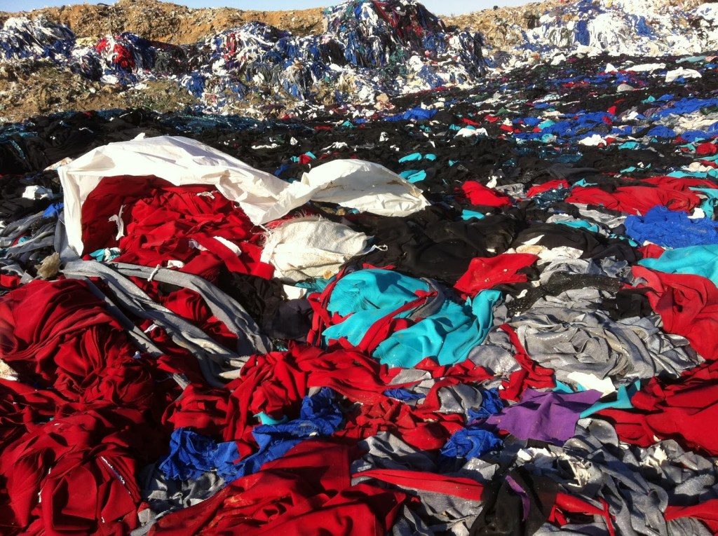 Textile landfill near Damascus, Syria [Image: The Vile Moods]