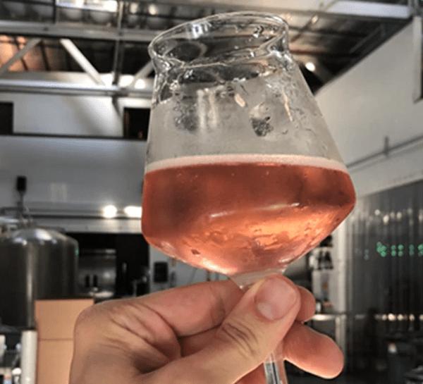 Craft brewed sparkling tea