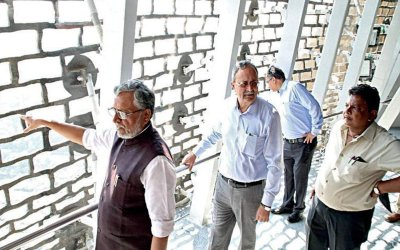 Deputy Cheif Mininister Stuck in Statue of Unity elevator