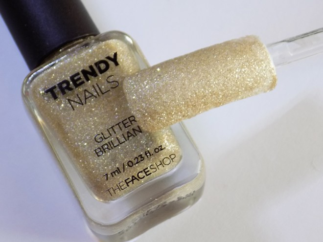 thefaceshop the face shop Trendy Nails Glitter GLI006 bottle swatch