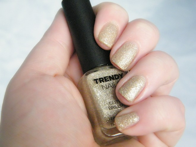thefaceshop the face shop Trendy Nails Glitter GLI006 swatch
