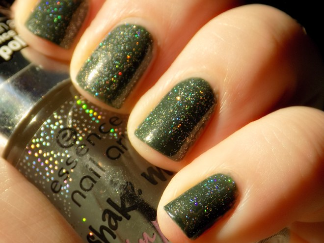 Essence Shake Me Up Nail Art Holo Top Coat - Let The Stars Rain Down On Me!