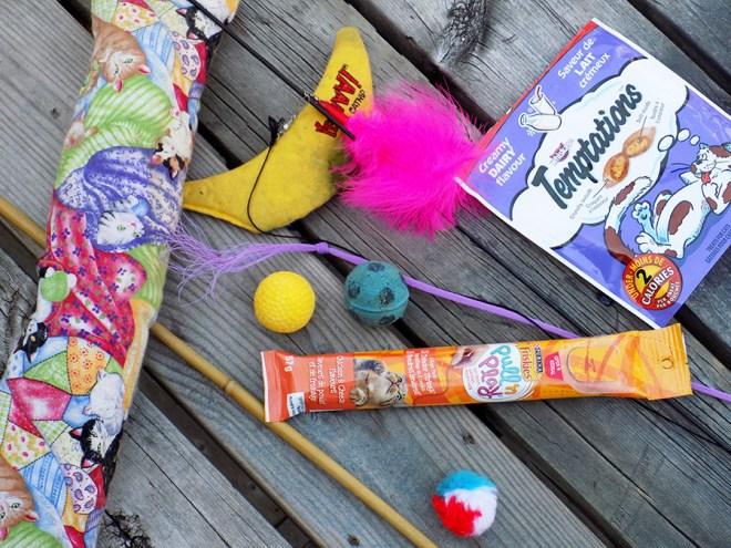 Favourite Cat Toys and Treats: Da Bird, Bamboozler, Sponge Balls, Puffs Yeowww Banana