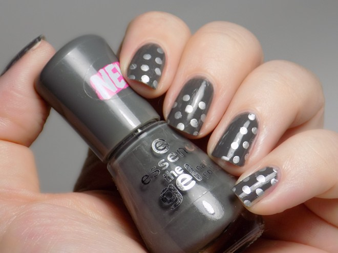 31DC2016 Polka Dot Mani - Essence Rock My World and Mdu Silver - Swatch