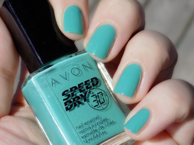 Avon Fall Trends - Speed Dry 30 Turquoise Pop Nail Polish - Swatch Sunlight