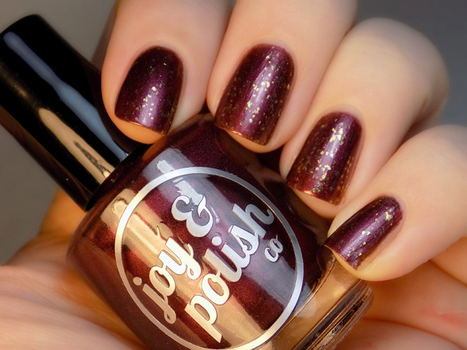 Joy and Polish - Spiced Plum - Goldschlacquer - Swatch
