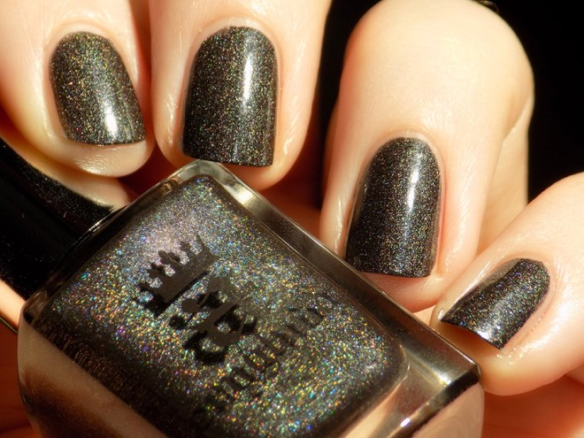 A England - King Cophetua - Swatch and Review in Sunlight - Tennysons Romance Collection