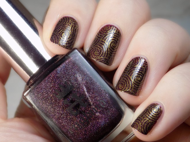 CBBNov Stamping Prompt - A England In Robe and Crown - BP Gold - Pueen Geo Lover 02 plate - Swatch