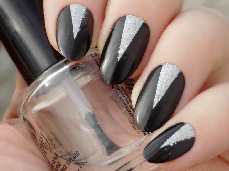 Sensationail Gelvolution Review - Stiletto Black and Silver - Natural Light