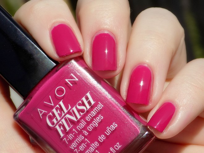 Avon Gel Finish Rose Noir Nail Polish Swatch - Natural Sunlight