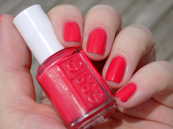 Essie Eclair My Love - Summer 2017 - Swatch