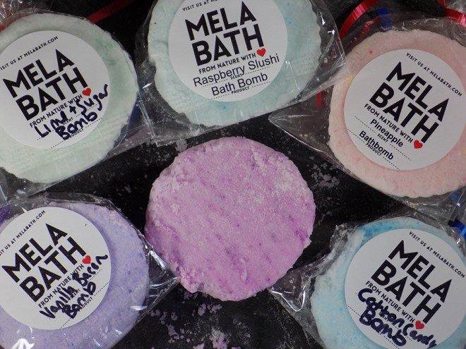 MELA Bath - Small Bath Bomb Reviews - Scent Reviews