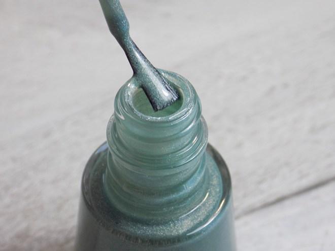 Revlon Fairy Dust HoloChrome Polishes Bottle and Brush
