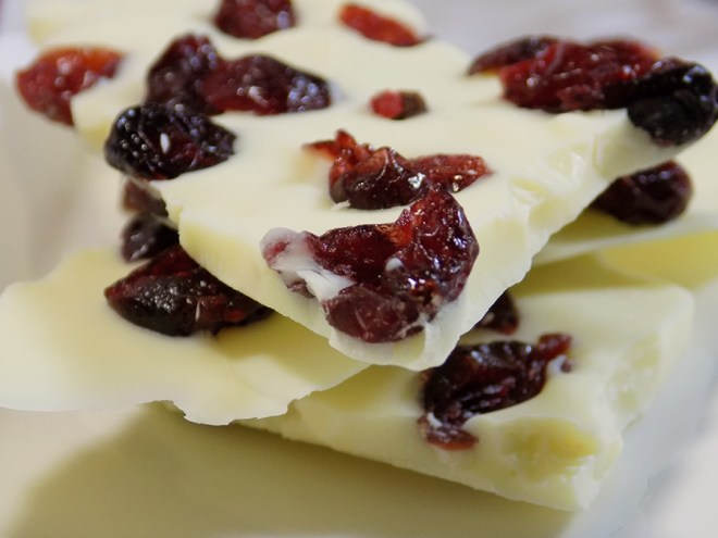 White Chocolate Cranberry Bark Recipe - DAVIDsTEA White Cranberry Bark Tea