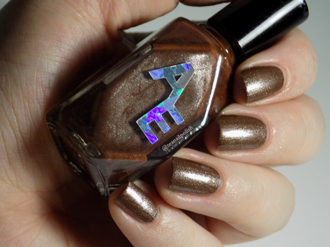 Alter Ego - Clever Girl - Swatch in Artificial Lighting