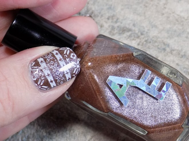 Sweater Nails with Alter Ego Clever Girl - Thumb Swatch