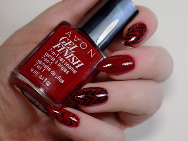 Avon Gel Finish Roses are Red Swatches Review