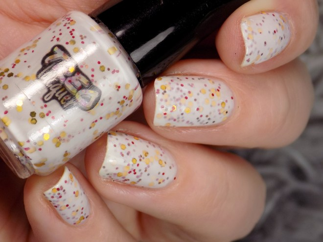 Treo Lacquer Oh My Whiskers Swatches 5