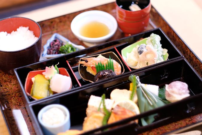 The special tea ceremony with Japanese light meal at night!