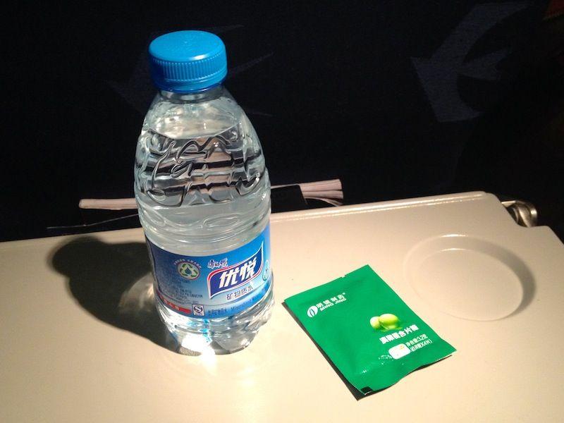 <中国東方航空機内食>MU5734/KMG-LJG/昆明-麗江