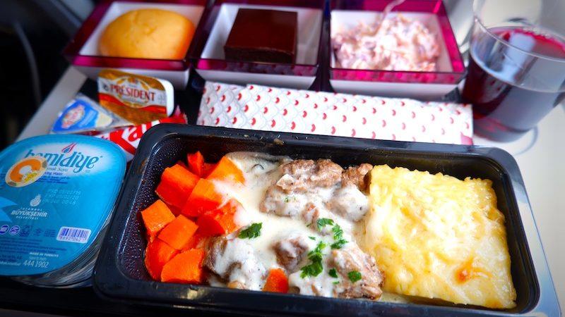 【カタール航空機内食・搭乗記】QR356/TBS-DOH/トビリシ-ドーハ