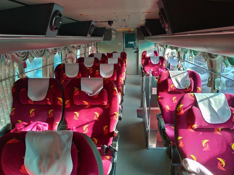 【パーイ】バンコクからチェンマイまでソンバットツアー夜行VIPバスの旅
