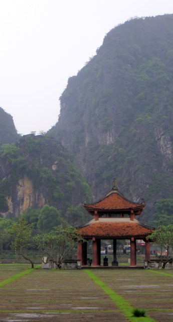 Pagoda in front of the limestone mountains