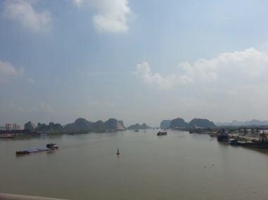Road to Yen Tu
