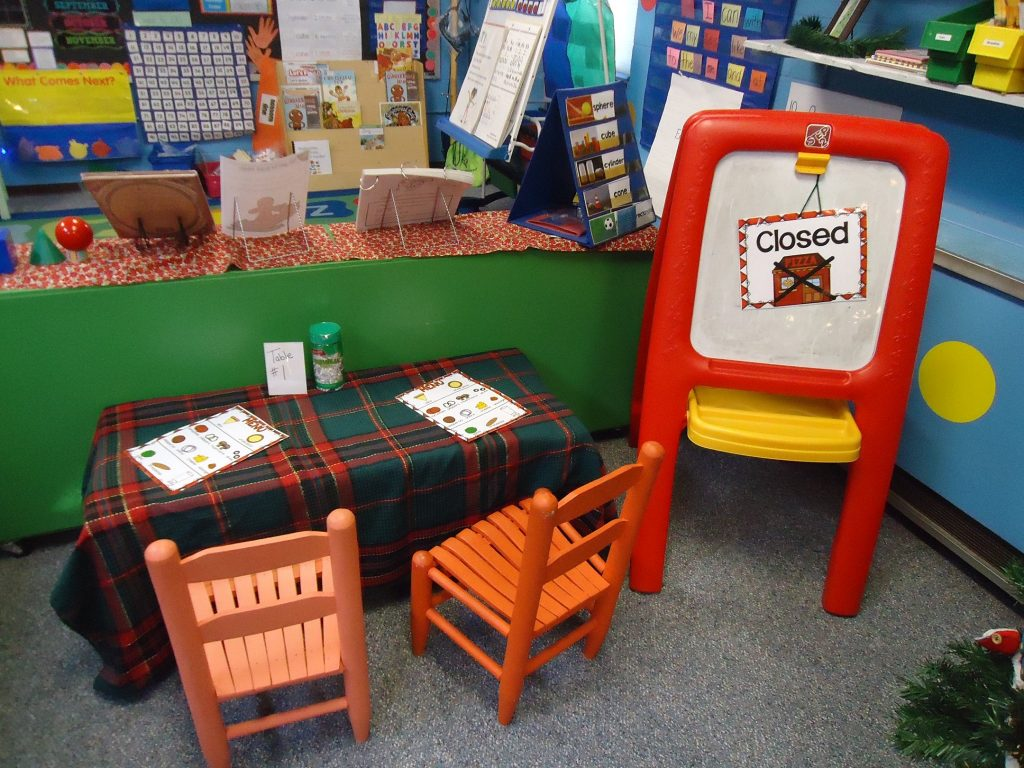 Pizzeria Themed Dramatic Play Area
