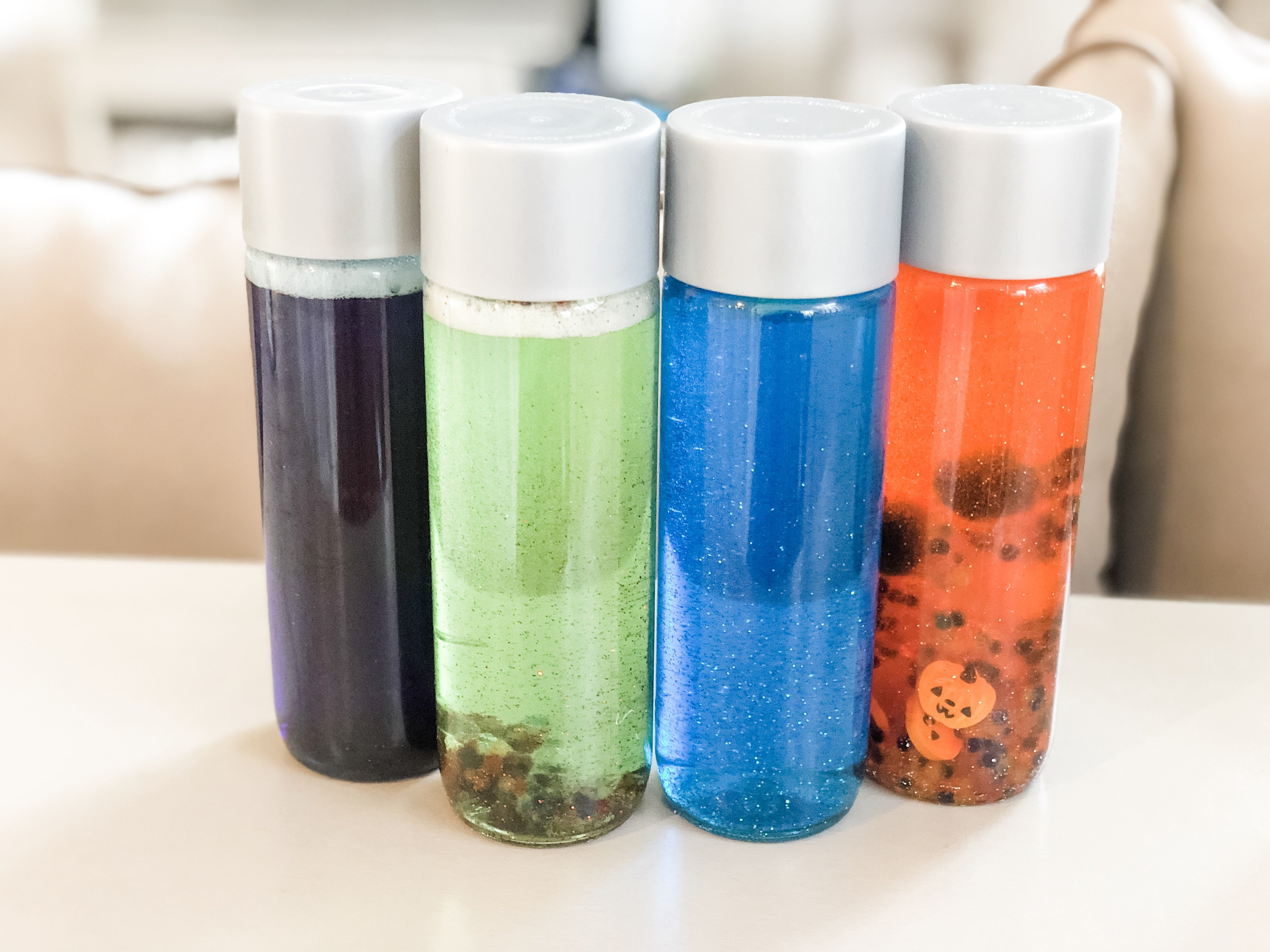 Make your own sensory bottles for your baby or toddler with this DIY guide. These sensory bottles provide your child with visual stimulation and play fun.