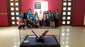 Students visit the First Folio at Museo y Centro de Estudios Humanísticos, Turabo, PR. (Image: Folger Education)