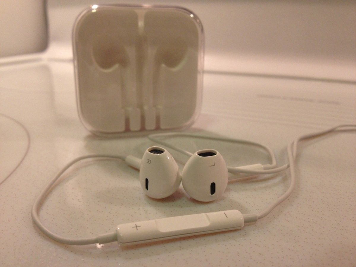 11 Tricks for How to use your Apple Earphones or EarPods with Inline Remote