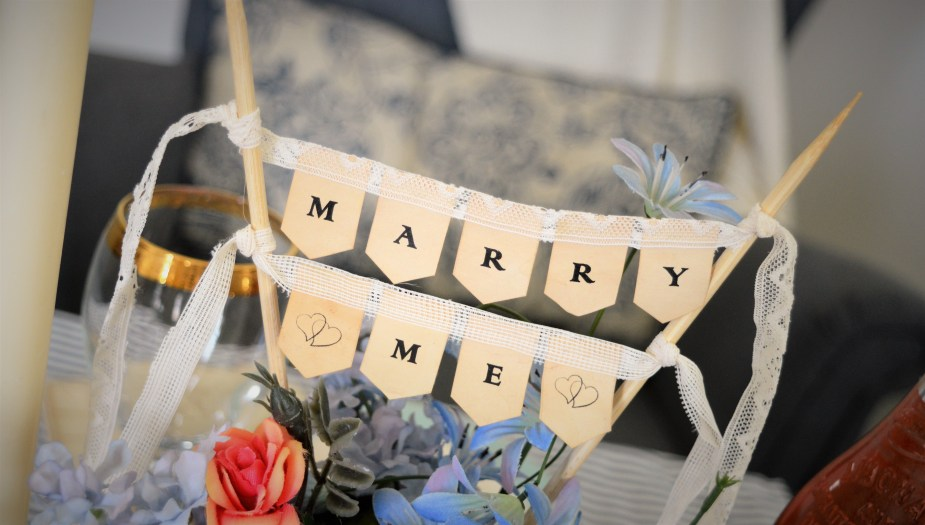 Marry Me paper decor