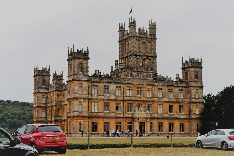 Downton Abby Highclere Castle