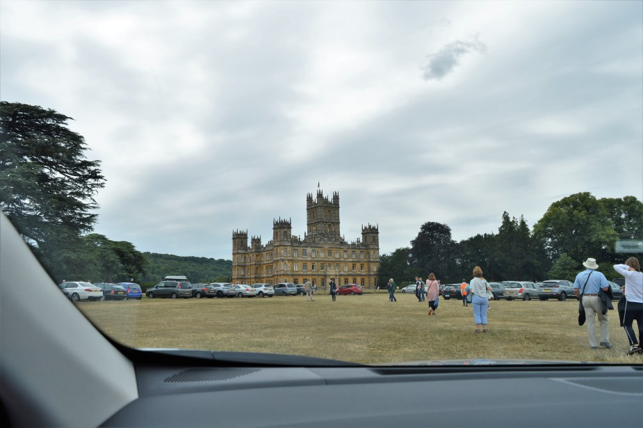 drive to downton abbey highclere castle