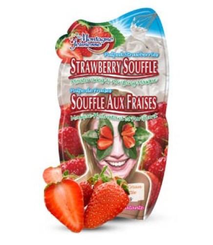 Strawberry face mask bath