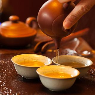 Gongfu-style tea brewing