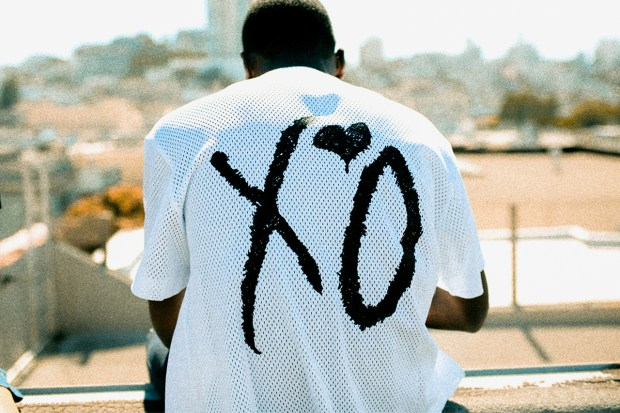 the-weeknd-xo-fan-merch-ss-16-000