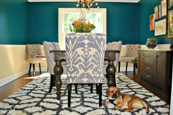 1whole dining room with dog