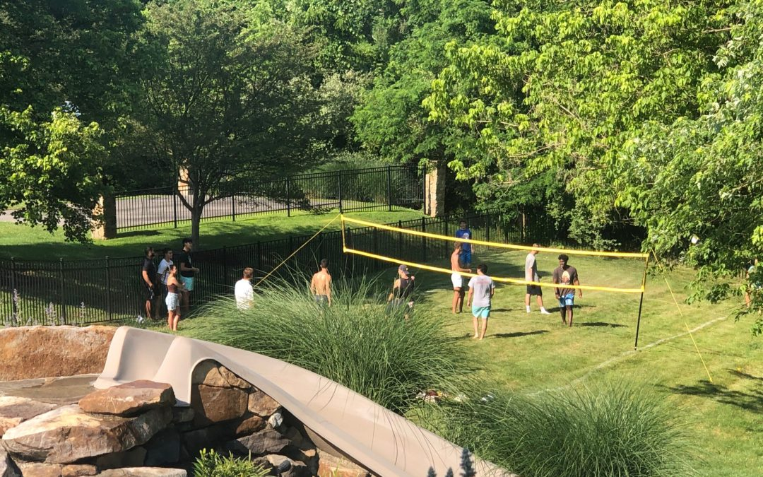 Friday Roundup: Outdoor Spaces, Painting, and Floors