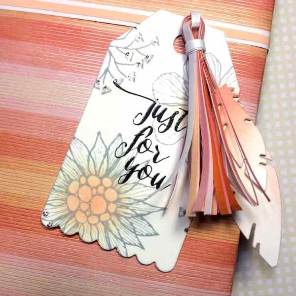 Making a Paper Tassel with Quilling Paper